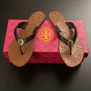 SOLD! Tory Burch Thora Sandals (SIZE 8) Black